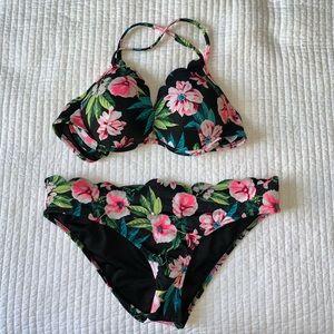 Bikini 34B top, medium bottoms. Floral pattern